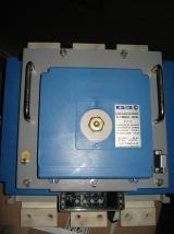 Фотография селективного автоматического выключателя ВА 55-43 на номинальный ток 1600 ампер