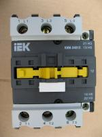 Фотография электромагнитного контактора КМИ 34012 на рабочий ток 40А производства IEK с управляющей катушкой 220 вольт