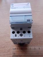 Изображение модульного контактора на 40 ампер серии CTX 40-40 с четырьмя нормально открытыми контактами и катушками на напряжение 24 или 230 вольт