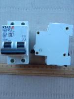 Фотография модульного двухполюсного автоматического выключателя ВА47-29 2Р на 63 ампера производства КЭАЗ