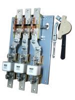 Фотография разъединителя РПС-16 на тепловой ток 1600 ампер с тремя предохранителями и передним приводом